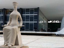 Em foto, é possível ver parte frontal do Supremo Tribunal Federal (STF)